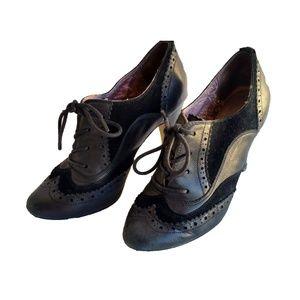Seychelles Black Oxford Lace Up Heels SZ 7.5 US